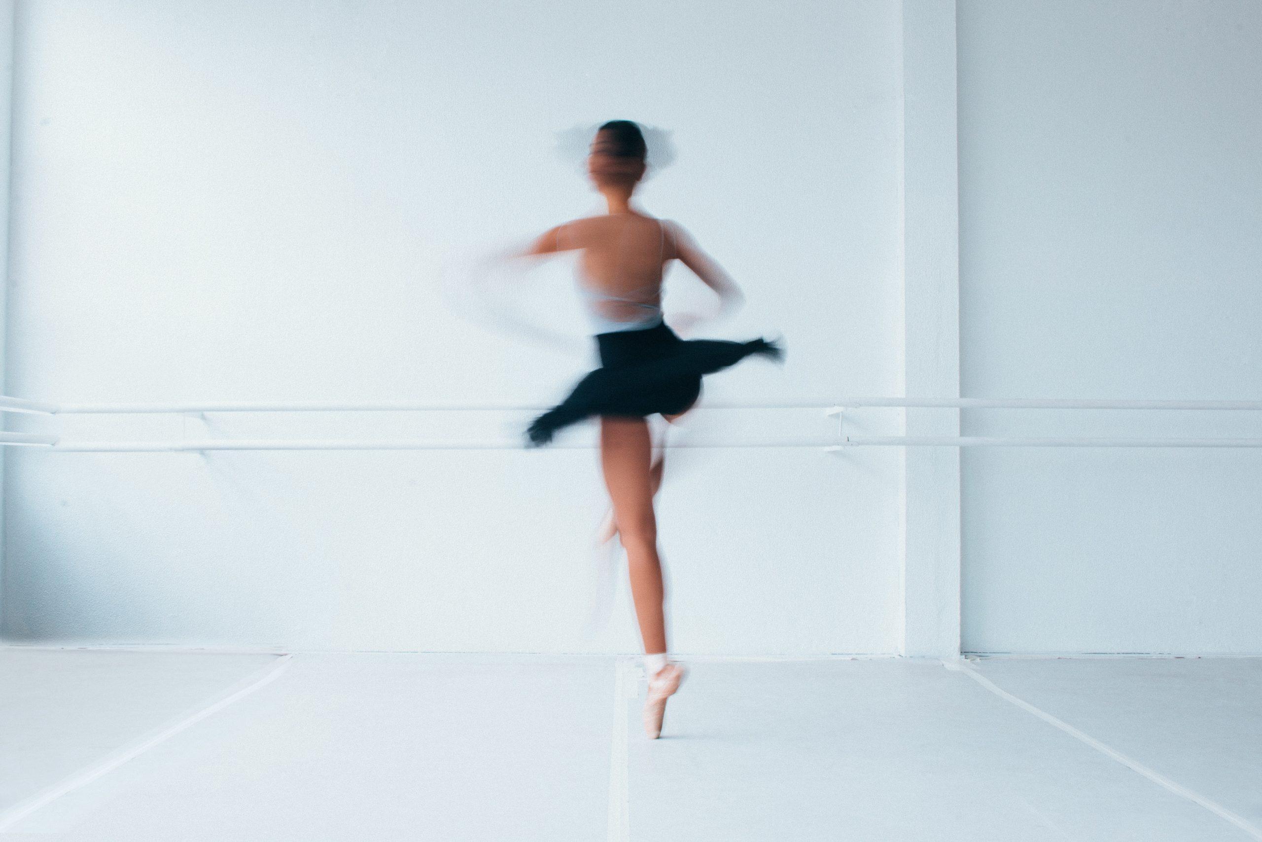 spinning-ballerina-1820148